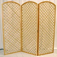Natural Wood Lattice Backdrop | Round Top | 3 Panels